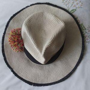 Betsey Johnson Straw Sumner beach hat